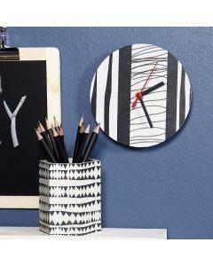 Reloj de pared y lapicero decorados con papel de decoupage
