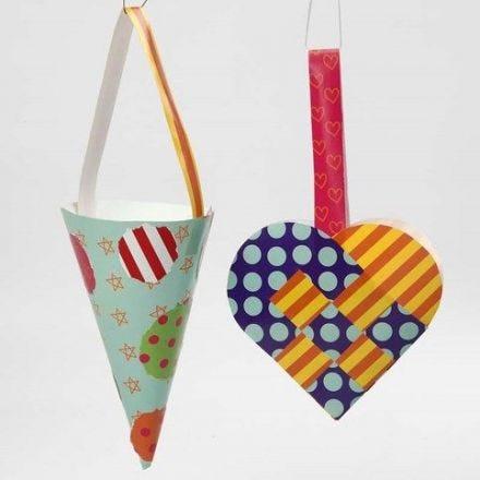 Cestita corazón o cono hechas de papel glaseado