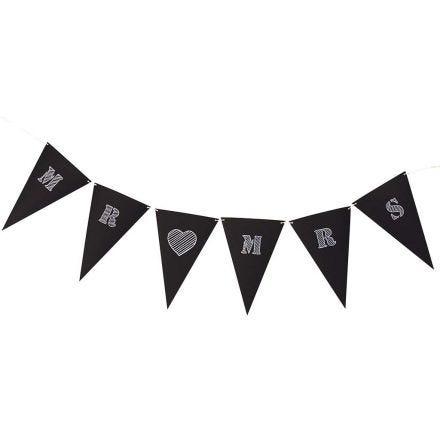 Banderolas de cartulina negra con texto blanco
