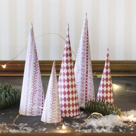 Diseño de árboles de Navidad en forma de cono