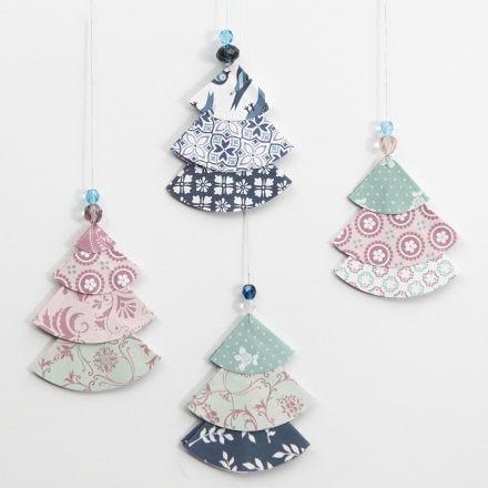 Árboles de Navidad de papel de diseño doblado