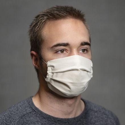 Coser una mascara facial con pliegues