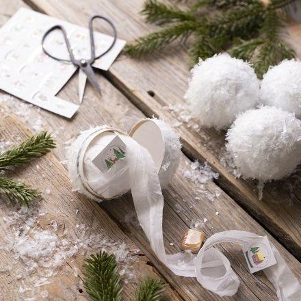 Bolas de nieve caseras con pequeñas sorpresas