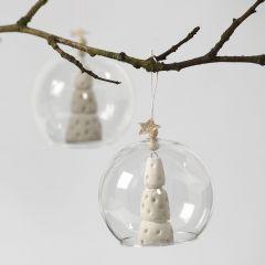 Árbol de Navidad blanco dentro de bola de cristal