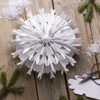 Una estrella copo de nieve de bolsas de papel