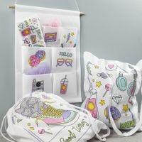 Artículos de tela preimpresos decorados con marcadores textiles