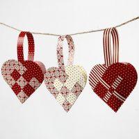 Cestas tejidas en forma de corazón