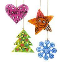 Decoraciones navideñas colgantes pintadas con acrílico