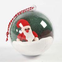 Bola decorativa con paisaje y figura