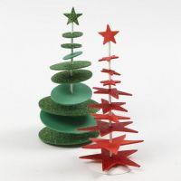 Un árbol de Navidad de Goma Eva perforado en una barra con un soporte
