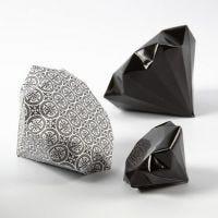 Un diamante de papel con la colección París