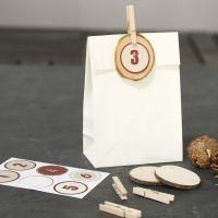 Bolsas de papel decoradas para el calendario de adviento