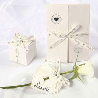 Decoraciones de boda con romántica cinta satinada