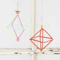 A Prism from Florist Wire, colourful Construction Straws & Beads