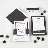 Invitación, menú y  porta nombre en blanco y negro