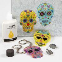 Llaveros, imanes y broches con Shrink Plastic decorado