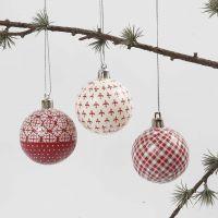 Bola de navidad con decoupage rojo y blanco
