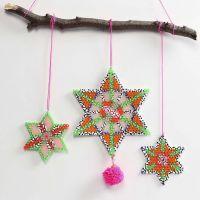 Estrellas de cuentas Nabbi decoradas con pompones