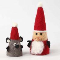 Figuras navideñas con conos de poliestireno fieltrados