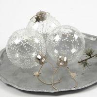 Bolas de cristal con puntitos de cola