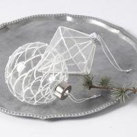 Decoraciones colgantes de cristal decoradas con efecto nieve 3D