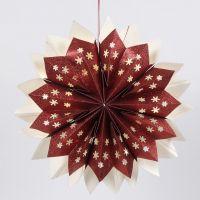 Estrella hecha con bolsas de papel brillantes y decorada con luces LED a pilas