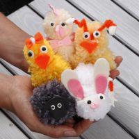 Pompones de animales de Pascua hechos de lana acrílica