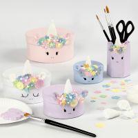 Cajas de cartón de unicornio con decoraciones de Foam Clay