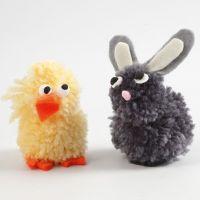 Animales hechos de pompones de lana y fieltro