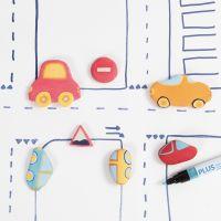 Coches y señales de carretera de arcilla auto endurecida