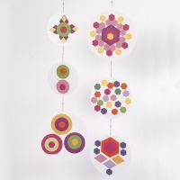 Un móvil de Collages con Color Bar