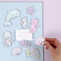 Imanes de criaturas marinas decoradas con rotuladores.