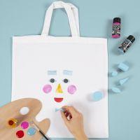 Una bolsa de la compra con diseño de cara