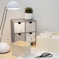 Una cómoda decorada con film autoadhesivo.