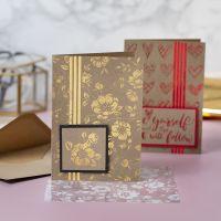 Tarjetas de felicitación decoradas con pegamento para foil y flores y corazones de foil  de decoración