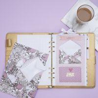 Un sobre para almacenar pequeños artículos en un Bullet Journal y Planner
