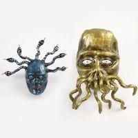 Medusa y monstruo tentáculo hechos de papel mâché, Silk Clay y limpiapipas.