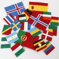 Las banderas del mundo hechas a partir de cuentas de fusible Nabbi.