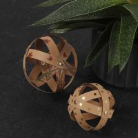 Bolas decorativas con papel de imitación al cuero