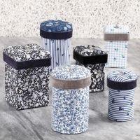 Cajas de papel maché decoradas con tela de Decoupage