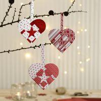 Cestas de corazón tejidas con papel de diseño de Vivi Gade.