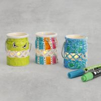 Candelabros de porcelana decorados con rotuladores para porcelana y cristal