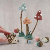 Un suelo forestal de Silk Clay y materiales naturales