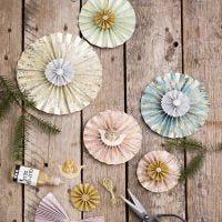 Rosetas hechas de papel hecho a mano