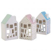 Acogedoras casas de cerámica con detalles brillantes